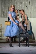 Giannetta (Katharina Wittmann) mit Damenchor